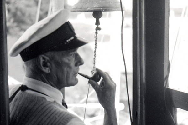 Major George Power experimented with bermudan rig on Essex Skipper in 1938. He acted as timekeeper at Wroxham for many years after the war.