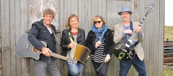 An Evening With Bob (band) - The Ferry House, Surlingham 4.00pm