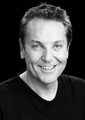 Brian Conley at Potters Leisure on Sunday 17th April 2016.