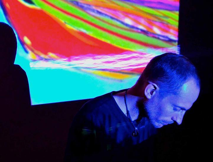 Confluence - Piano improvisations and multimedia visual art