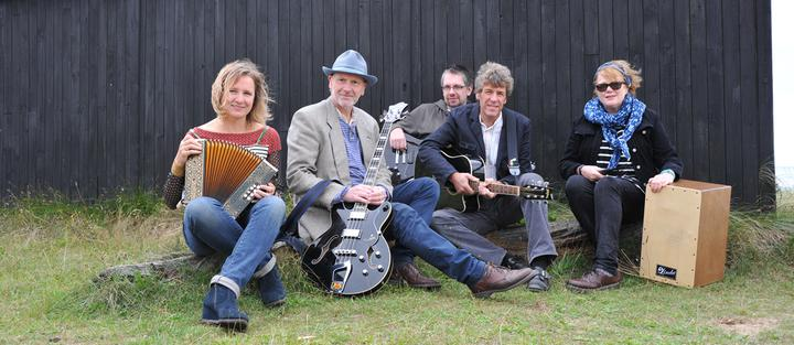 """""""An Evening With Bob"""" band - The Thurne Lion - 8.30pm"""