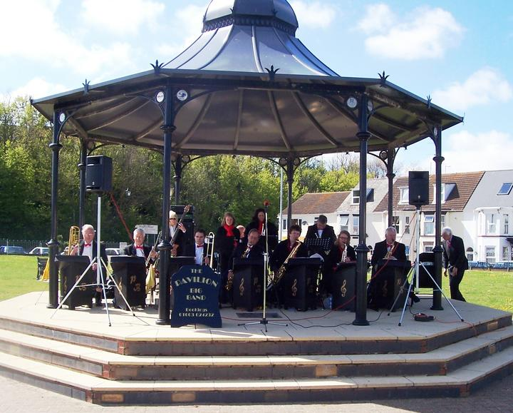 Pavilion Swing Band - Summer Music in The Glade